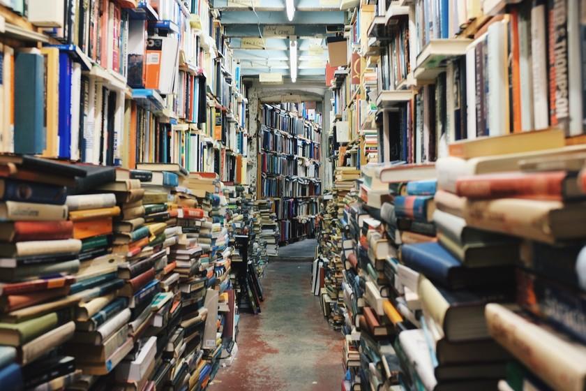 大学生のあなたに読んでほしい!社会人エンジニアに聞いた『技術書典5』で大学生エンジニアにおすすめする本