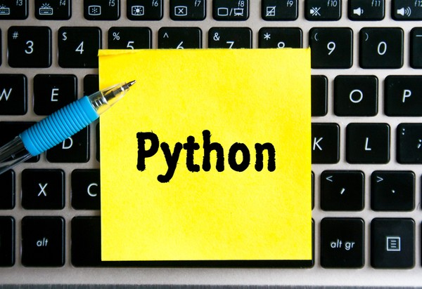 E資格取得者と学ぶ はじめてのPython 第5回 ~クラス~